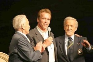 Weider Brothers with Arnold Schwarznegger (Credit: ibffpro.com)