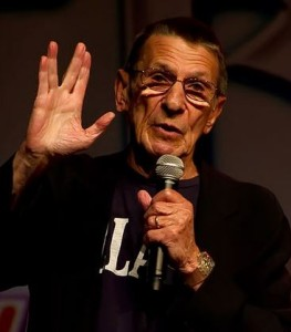 Nimoy Demonstrating the Kohanic Blessing Sign/Vulcan Salute